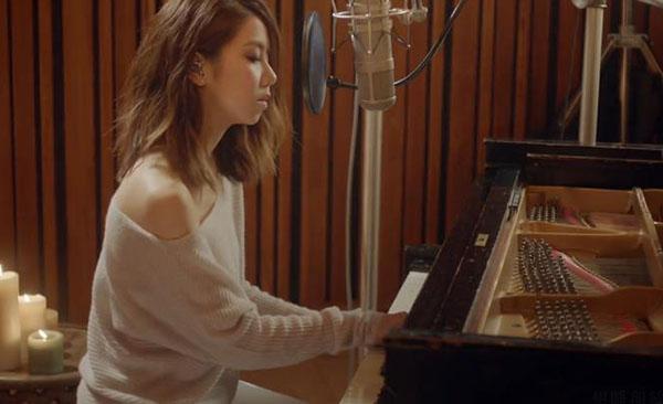 邓紫棋钢琴弹唱《给你的歌》